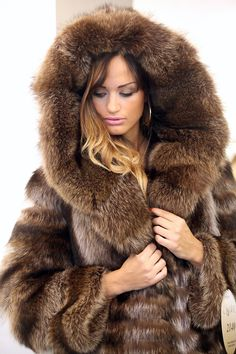 Max Reby Tigre Royal Geneve Lynx Fur Full length Cape with hood ...