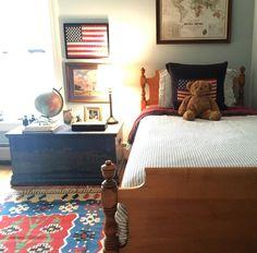 shared guest bedroom design shared kid room with desk vintage boy bedroom deco Bedroom Vintage, Vintage Boys Bedrooms, Cool Bedrooms For Boys, Big Boy Bedrooms, Baby Boy Rooms, Baby Room, Kids Rooms, Shared Bedrooms, Kids Bedroom Designs