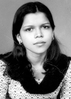 in a very young age. Bollywood Photos, Indian Bollywood, Bollywood Stars, Indian Celebrities, Bollywood Celebrities, Bollywood Actress, Film World, Muslim Beauty, Indian Star