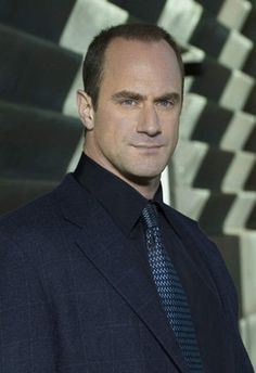 NYPD Detective Elliot Stabler!! (Christopher Meloni)