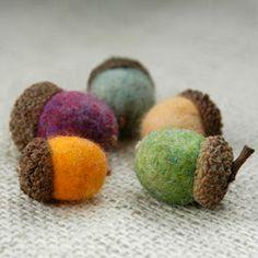 TonyaUtkina: Tutorial how to make felted wool acorns