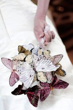 20 Unique DIY Wedding Bouquet Ideas - Part 1 - Deer Pearl Flowers Alternative Bouquet, Alternative Wedding, Brooch Bouquets, Floral Bouquets, Bridal Bouquets, Diy Wedding Bouquet, Wedding Flowers, Diy Bouquet, Purple Wedding
