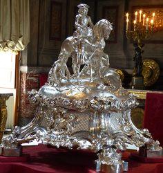 Silver Centrepiece at Blenheim by Robert Garrard & co