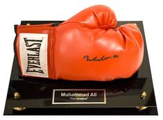 Muhammad Ali Autographed Boxing Glove - Best Selling Auction Items - https://www.cfr1.org/autographed-memorabilia/top-25-best-selling-auction-items/ #thechamp #muhammadali #changemakers #nptech #silentauction #auctionfundraiser #charitydundraising #gala #fundraisinggala #nonprofits