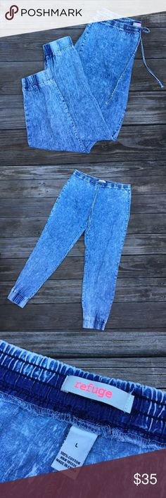 80s Vintage Acid Wash Jeans These vintage jeans are 80s all the way! High rise with a drawstring and ankle elastic, these babies will take you far in the oldie world. Size large. Refuge brand. No flaws, stains, or tears. Rise: 11 in. Inseam: 30 in. Waist: 17 1/2 in. With drawstring. REASONABLE OFFERS ACCEPTED refuge Jeans