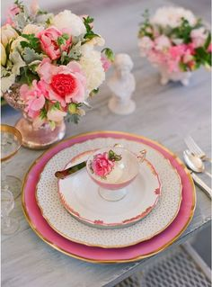 pretty in pink, look out for antique china in fleamarkets...goes so well with the Halland and Adorno Collections!