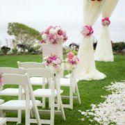 Fresh white & pinky wedding ceremony