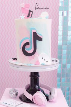 Check out this wonderful pastel TikTok birthday party! The cake is amazing! See more party ideas and share yours at CatchMyParty.com Birthday Parties, Birthday Cake, Themed Parties, Bridal Shower Cakes, Baby Shower Cakes, Party Ideas, Party Themes, Cupcake Day, Rustic Cake
