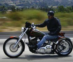 صور: خمسة خطوات تمكنك من قيادة الدراجة النارية بأمان  #سيارات #تيربو_العرب #صور #فيديو #Photo #Video #Power #car #motor