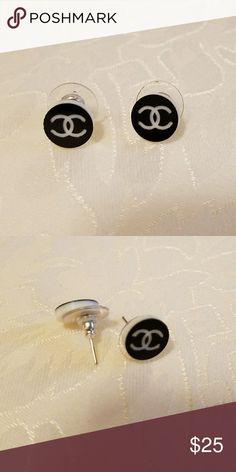 Chanel Earrings .. Costume Jewelry Black & White Chanel Earrings .. costume jewelry Costume Jewelry Jewelry Earrings