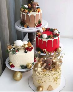 Uploaded by Find images and videos on We Heart It - the app to get lost in what you love. Christmas Themed Cake, Christmas Cake Designs, Christmas Cake Decorations, Christmas Desserts, Christmas Treats, Christmas Cakes, Pretty Cakes, Beautiful Cakes, Amazing Cakes