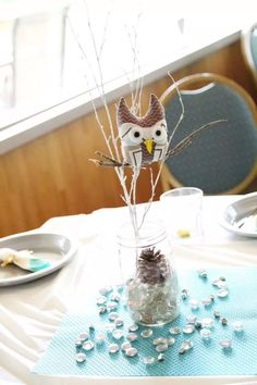 Close up of my favorite centerpiece! I love how these two fabrics came together on the owl so nicely.