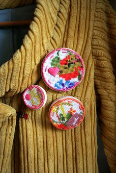 Upcycled tapestry brooches | Flickr - Photo Sharing!  #upcycle #tapestry