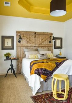 DIY Barn Door Headboard, but I also like the yellow ceiling and white walls. Home Bedroom, Bedroom Decor, Bedroom Ideas, Bedroom Rustic, Bedroom Designs, Bedroom Ceiling, Modern Bedroom, Bedroom Wall, Bedroom Furniture