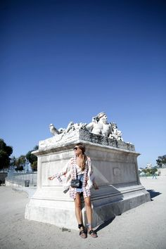 paris-fashion-week-tuileries-kimono-chanel-bag-bolso-denim-bardot-miu-miu-bailarinas-ballerines-look-bartabac-outfit-moda-blogger-18
