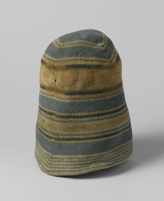 Some styles never go out of fashion: Woollen caps worn by Dutch whalers, anoniem, c. 1700 - c. 1800