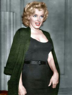 ❤ Marilyn Monroe ~*❥*~❤ Pretty sure she was pregnant here, but don't quote me on this!