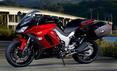 Motorcycle.com's Top 10 City/Commuter Motorcycles: Kawasaki Ninja 1000 - looks like a comfortable ride
