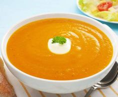Allow Fat Flush to help you have a healthy holiday season with slimming pumpkin soup. This is sure to become a staple on your family's menu—and it can be our little secret that it's so healthy. Wine Recipes, Soup Recipes, Cooking Recipes, Curry, Sweet Potato Carrot Soup, Ginger Soup Recipe, Fat Flush, Carrot And Ginger, Carrot Recipes