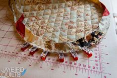 Free Tutorial - Binding Curves by Julie of Jaybird Quilts