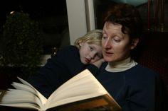Å lese for barna utvikler hjernen deres   forskning.no