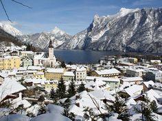 Ebensee im Winter (© MTV Ferienregion Traunsee - Tourismusbüro Ebensee) Mtv, Austria, Crochet Projects, Mount Everest, Germany, Seasons, Mountains, Travel, Beer