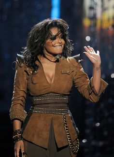 Janet Jackson Photos - Singer Janet Jackson performs onstage at the 2009 American Music Awards at Nokia Theatre L. Live on November 2009 in Los Angeles, California. - 2009 American Music Awards - Show Michael Jackson, Jackson Family, Janet Jackson, Paris Jackson, Lisa Marie Presley, Elvis Presley, Beautiful Black Women, Beautiful People, Afro