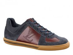 Louis Vuitton 'Dream On' Sneaker Fall/Winter 2012 - The 'Dream On' sneaker is our favorite low top from the new Fall/Winter 2012 Collection, featuring a beautiful color scheme and mix of materials and details. Kim Jones heading the department now Lv Shoes, Shoe Boots, Dress Shoes, Shoes Sneakers, Nike Fashion, Fashion Shoes, Mens Fashion, Moda Nike, Nike Air Max 2011
