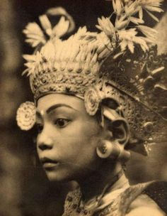Legong dancer, Bali  (1928) by André Roosevelt, France 1879–Haiti 1962. Ni Pollok aged about 11, later the model and wife of Belgian painter in Bali A. J.  Le Mayeur.pa href=http://asianartnewspaper.com/sites/default/files/articles_additional/Andre%20Roosevelt%20Balinese%20girl.jpgDownload Original/a/p