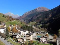 Gromo è tra i borghi più belli d'Italia e Bandiera arancione. E' un borgo medievale, ideale per vacanze e gite in Val Seriana. Nelle vicinanze gli Spiazzi.
