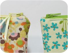How to make a zipper pouch WITHOUT dented corners. (left bag has a dented corner, right one does not).