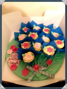 Belgian chocolate cupcake bouquet for any ocassion Belgian Chocolate, Chocolate Cupcakes, Bouquet, Desserts, Food, Meal, Bouquets, Deserts, Essen