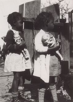 Dolls, Jackson, Mississippi, United States, 1936, photograph by Eudora Welty.