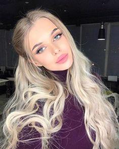 Best Ideas For Haircut Blonde Brows Long hair color Best Ideas For Haircut Blonde Brows Light Blonde Hair, Blonde Hair Looks, Balayage Blond, Blonde Highlights, Blonde Beauty, Hair Beauty, Dream Hair, Cool Hair Color, Virgin Hair