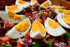Summer Sunshine Salad from Caprese Salad, Cobb Salad, Spanish Food, Sunshine, Tasty, Hot, Ethnic Recipes, Summer, Sexy