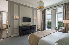 Discover the newly redesigned Legacy Suites at The Plaza.