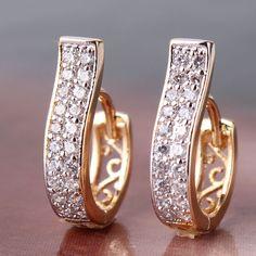 Купить товарМодные полые серьги из 18К золота и платины с кристаллами, женское ювелирное изделие с искусственными бриллиантами, подарок на день рождения и день Святого Валентина, бесплатная доставка, E105d в категории Серьги-кольцана AliExpress.                                                                        Мин. стоимость заказа-1 ш