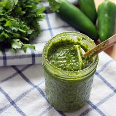 Fresh and flavourful pesto is so delicious you'll want to eat it by the spoonful. But if you can resist scooping it up on its own, pesto is even bet. Pesto Hummus, Salsa Pesto, Cilantro Pesto, Pesto Sauce, Mexican Food Recipes, Keto Recipes, Cooking Recipes, Healthy Recipes, Keto Foods