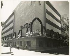 Tienda Fin de Siglo,San Rafael y Galiano calle,época de navidad,años 50,La Habana.