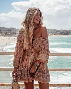 Bohemian dress in 2019 mulher&look&moda&estilo ❤ ❣ бохо Casual Day Outfits, Mode Outfits, Fashion Outfits, Womens Fashion, Boho Chic Outfits Summer, Boho Fashion Summer, Summer Chic, Night Outfits, Party Outfit Summer