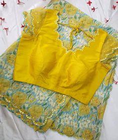 Netted Blouse Designs, Cutwork Blouse Designs, Simple Blouse Designs, Stylish Blouse Design, Blouse Patterns, Traditional Blouse Designs, Long Dress Design, Saree Blouse, Simple Necklace