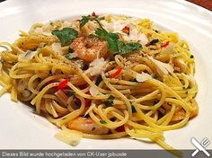 Spaghettini aglio, olio e peperoncino, ein leckeres Rezept aus der Kategorie Schnell und einfach. Bewertungen: 252. Durchschnitt: Ø 4,5.