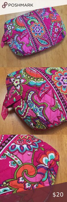 "Vera Bradley Large Cosmetic Makeup Bag Pink Swirls Good Used Condition. Bag has some decorative stitching missing and some pulls in the fabric as picture. Otherwise Bag is very clean with no stains or other real signs of wear. 10""x6 1/4""x3 1/4"". Zip closure. Plastic lined. From a non-smoking household. Vera Bradley Bags Cosmetic Bags & Cases"
