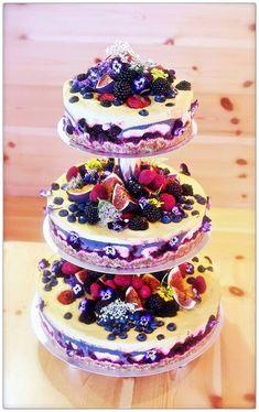 A pretty raw and vegan wedding cake. Photo | simpleRAW