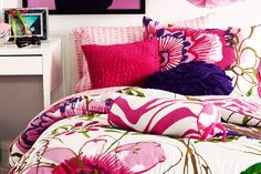 Dorm Room Decorating Ideas: Pretty Provincial