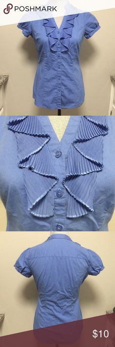 The Limited Periwinkle Blouse XS Button down blouse with ruffle front. 96% cotton. Machine washable. In good pre-owned condition. The Limited Tops Blouses