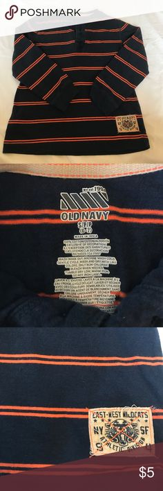 Boys Top - Old Navy size 6-7 In excellent condition! Comes from a pet free/ smoke free home. Old Navy Shirts & Tops Tees - Long Sleeve