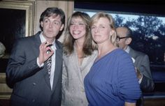 Paul and Linda with Carly Simon <3