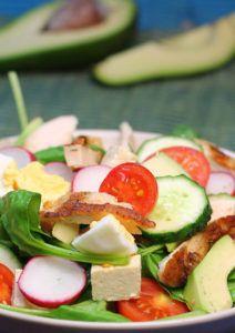 Salată de piept de pui cu spanac, avocado şi tofu - Totul despre slăbit Healthy Recipes, Healthy Food, Tofu, Zucchini, Avocado, Vegetables, Diet, Salads, Healthy Foods