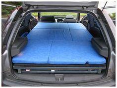 Die Liegefläche besteht vollständig aus Holzprofilen, kann innerhalb einer halben Stunde in das Auto montiert werden. Dabei wird es ...